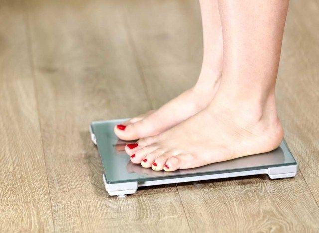Kaalulangus uleoo trikk Lihtne viis reie rasva poletamiseks
